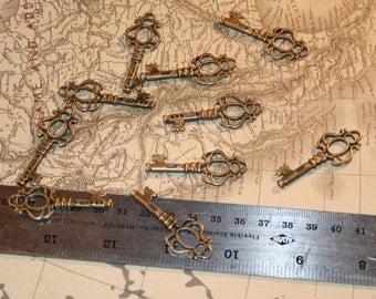 set of 10 antique bronze skeleton key charms