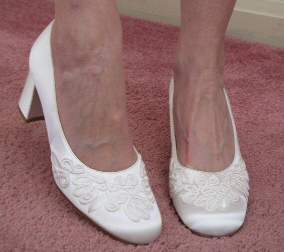 Vintage 80s Nina Wedding Shoes / Embroidered Shoes / White Satin Pumps / Never Worn
