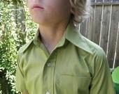 Boys avocado button up pocket shirt size 8