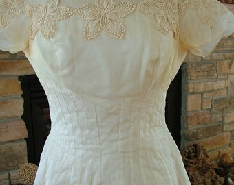 Wedding dress 1960s 1950s vintage silk lace appliques bridal gown