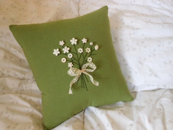 Decorative Pillow -Floral Button Bouquet, Hand Embroidery on Green Linen w/ Lace Ribbon -Green and White Accent Pillow w/ Flower Buttons