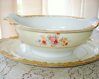 Gravy Boat Antique Dinnerware Completer Piece Kingswood Brand Aragon Pattern Attached Underplate Fine Detail