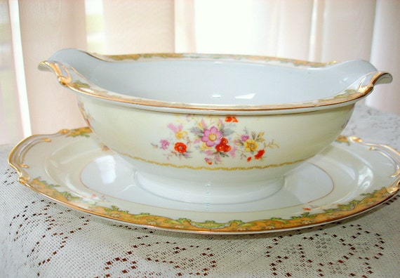Antique Kingswood Gravy Boat REDUCED PRICE Attached Plate. Beautiful Aragon Pattern. Fine Detail