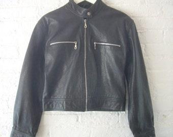 Black Motorcycle Jacket 90s Vintage Cropped Moto Jacket Wilsons Cafe Collar Goth Punk Minimalist Women's Medium Large Leather Biker Jacket