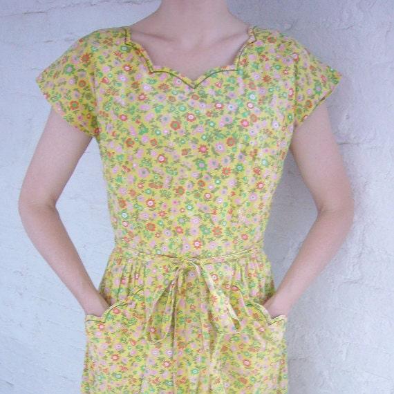 50s Swirl Dress 40s Wrap Dress Vintage Yellow Floral Dress Cotton Work Wear Pastel Spring Fashion Garden Party Dress Cottage Prairie Dress