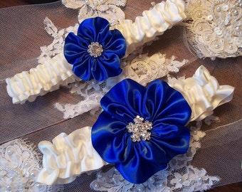 Wedding Garter Set / Royal Blue Wedding Garter / Ivory Bridal Garter / Toss Garter / Vintage Wedding / Something Blue Bridal Garter Set