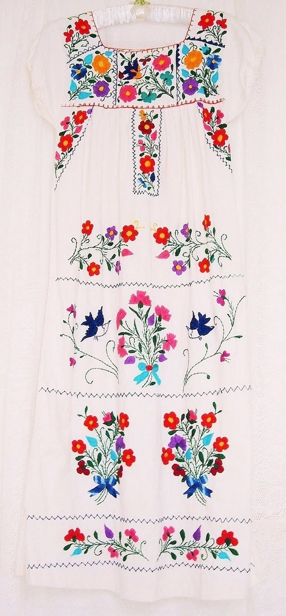 Vintage Off White Bohemian Hand Embroidered Dress Flowers  Hummingbirds & Carnations.