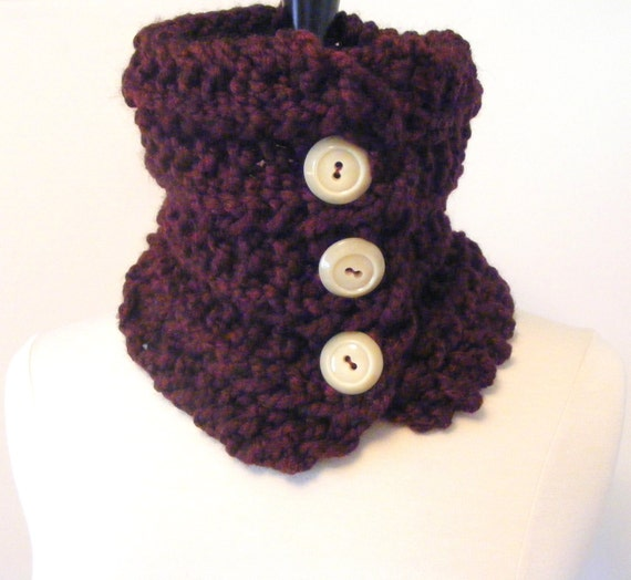 Hand Knit Cowl / Burgundy Scarf / Neckwarmer / Chunky Knit Cowl / Burgundy Neckwarmer / Circle Scarf