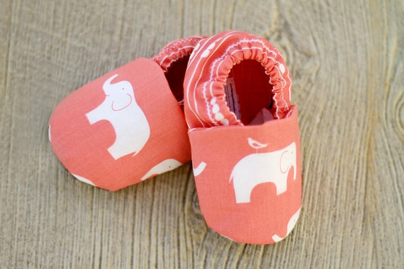 Eco Friendly Children Pink Elephants Organic Baby Shoes 6-12 months Coral Booties for Baby Girl Handmade Soft Sole Crib Shoes