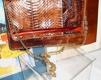 1970s Palizzio Cobra Skin Chocolate Brown Clutch Shoulder Bag with Lucite Trim