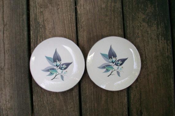 Homer Laughlin Vintage Lotus Hai White and Gray China Bread Plates Pair