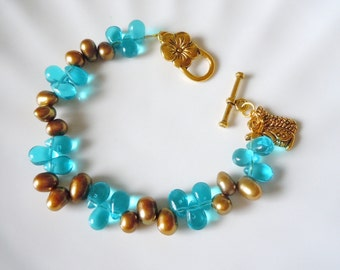 Copper pearls and blue briolettes  bracelet  B029
