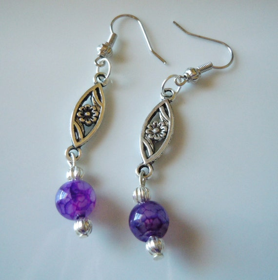 SALE Silver and purple dangle earrings E136