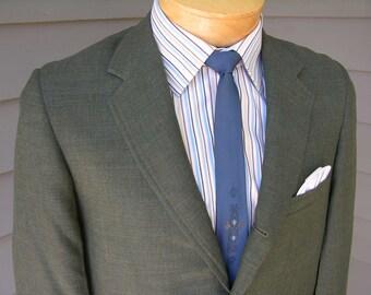 vintage 60's Men's Summer weight 3 / 2 roll sack sport coat. Ivy League styling. Green - Gold - Blue sharkskin. Size 36 - 38