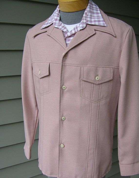 Day's Disco era vintage 70's Men's leisure suit jacket. Pure poly perfection in pink. Size 42