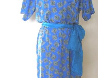 Sale Elegant Vintage Turquoise and Green Silk Dress