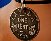 CANADA NECKLACE -   vintage penny  necklace - maple leaf charm - antique coin -  coin jewelry - Canada charm - choose year No.001080
