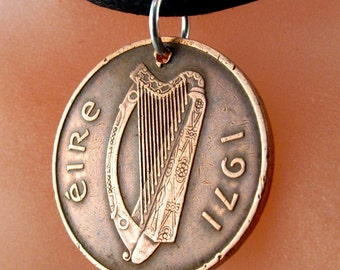 celtic jewelry - IRELAND COIN Necklace - Irish jewelry- music gift - Ireland bird coin -  Eire -  love knot  No.001056
