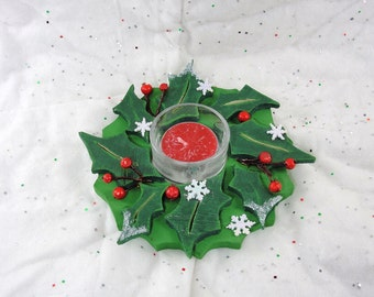 painted wood wreath holly leaves, votive candle centerpiece, glitter, snowflake, decoration