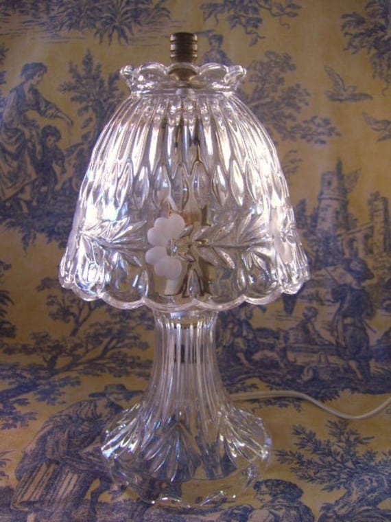 Vintage princess house leaded crystal boudoir lamp for Princess housse