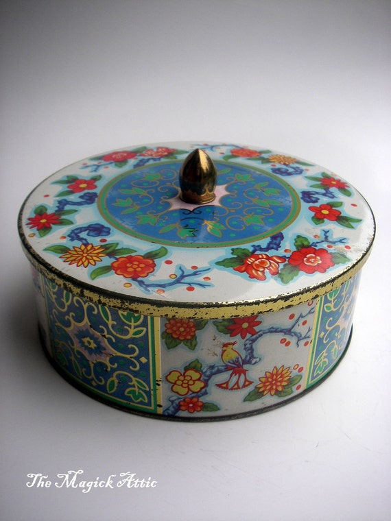 Vintage light blue round tin can with bullet point - perfect for storing buttons, tea bags or baubles.