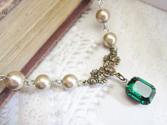 Emerald Necklace Pearl Choker Emerald Green Jewelry Almond Pearls Green Bridal Wedding ewelry