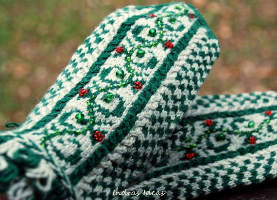 Women mittens.Winter style mittens with red berries - warm and beautiful