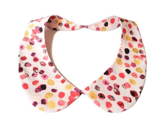 Detachable peter pan collar necklace, cream / beige romantic pebble print