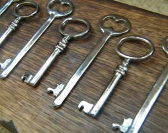 The Master's Keys - Skeleton Keys - 28 Gunmetal Key Charms Gunmetal Skeleton Key Pendants Black Key Charms