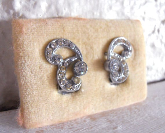 Vintage Clip on Earrings in Silver Tone 1960's amazing crystals