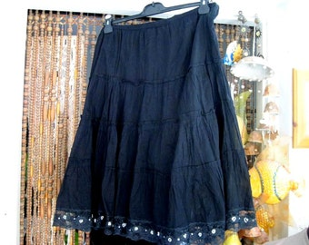 Lacy Hemmed Black Tiered Cotton Skirt, Vintage - LARGE / 2X