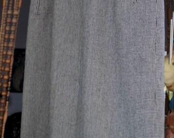 80's Vintage Classic Woolen Skirt - Large