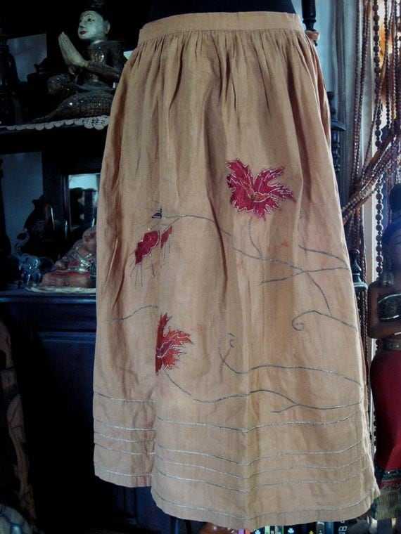 Embroidered & Sequined Cotton Skirt in Toffee with Touches of Burgundy, Vintage - Large