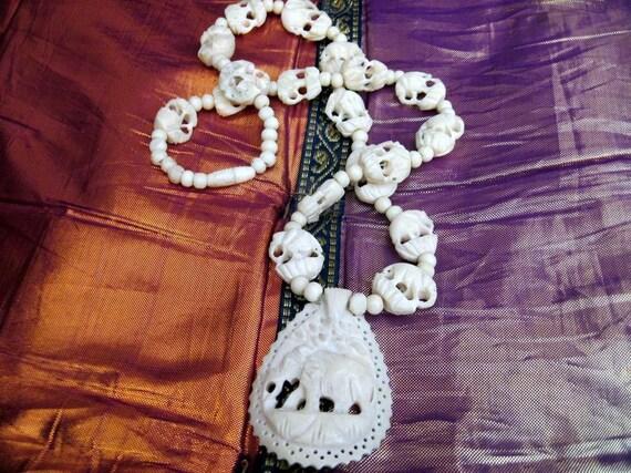 Bone/Ivory Necklace with Elephant Motifs