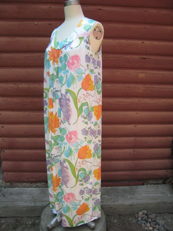 Vintage 1970s Flower Power Nightgown Dress
