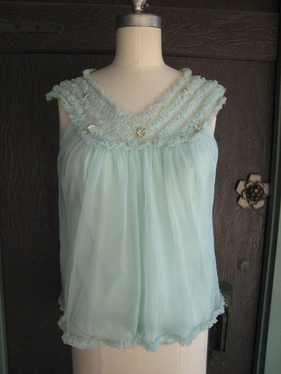 Vintage 1950s Mint Green Frilly Nightie Top