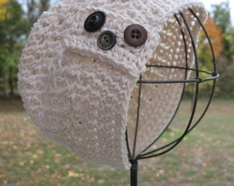 Girl's Crochet Hat With Buttons