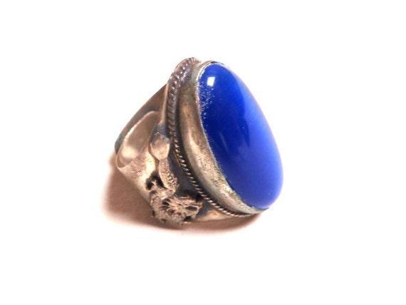 Vintage 1970s Tibetian  Dragon Cobolt Blue Stone Ring