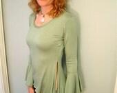 Dielle Long Sleeve Tunic / Flared Bell Sleeves, Side Slits, Custom Color / Woodland, Elven, Fairy, Romance, Medieval, Renaissance Costume
