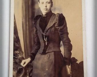 Vintage Photograph, Antique Photo : A Victorian Beauty - Original CDV Portrait Photograph