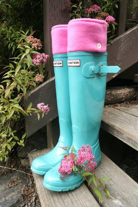 SLUGS fleece rainboot liners in hot pink