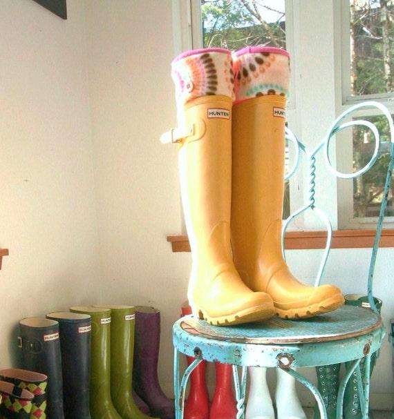 SLUGS Fleece Rain Boot Liners Hot Pink In Geometric Circle Cuff, Wellingtons Tall Socks, Gardening Style, Fleece Socks (Med/Lg 9-11 Boot)