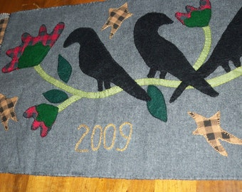 Primitive Crow penny rug Spring Flowers Hearth Rug Table Runner