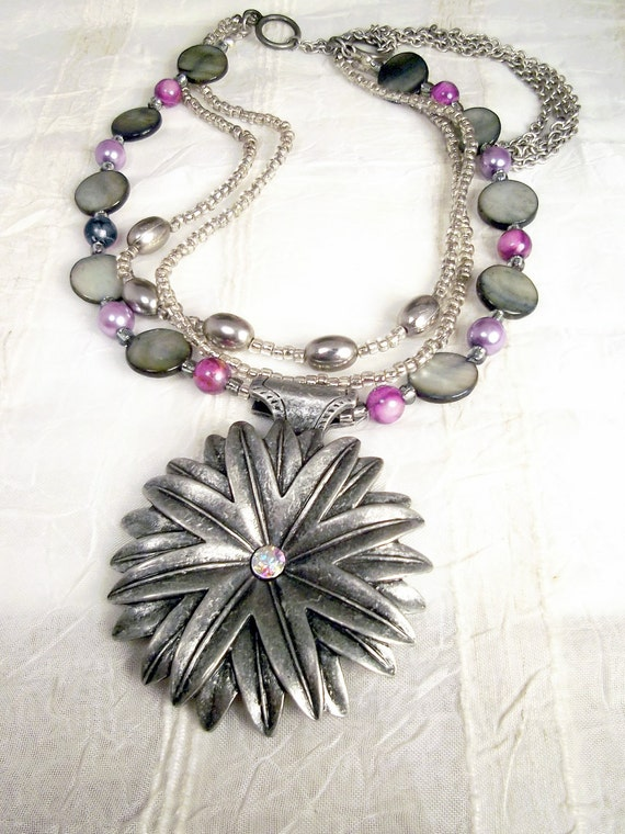 Pewter flower, silver gray Mother Of Pearl, purple glass pearls, silver beads, necklace set: Silver Me Timbers