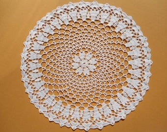 White crochet doily , handmade lace ,tablecloth , home decor 14 inches