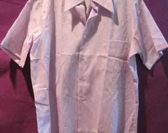 Vintage 1960s 1970s Shirt by Grant Crest W.T. Grant Co. Lavender Light Purple Short Sleeve Medium Large 46 Unisex Leisure Man Lilac