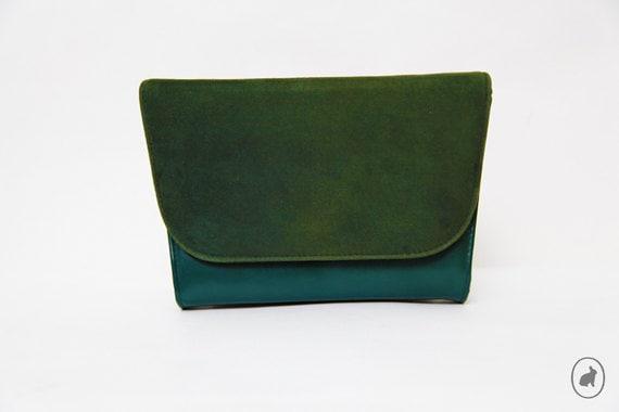 SALE - Vintage 70s Forest Green Crossbody Shoulder Bag - Suede Indie Clutch