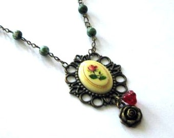 Red rose on beige cameo necklace jewelry with green jasper stone beads victorian vintage style red rose flower charm antique bronze brass