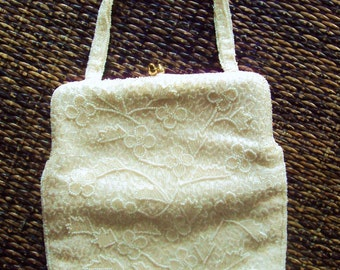 White Beaded Purse vintage 50s 60s opera purse evening bag wedding bridal prom formal handbag gold kiss lock clasp Mad Men era Magid Japan