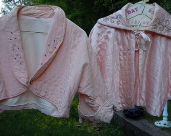 1950s Peach Bed Coat / Vintage Bed Jacket / 1950s by Nanette / Felted Embroidery & Jewel Accents / Size L